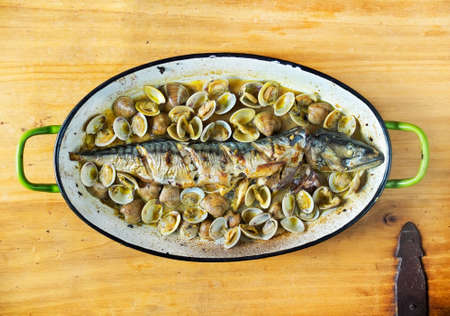 san sebastian: Mackerel baked in fish sauce with clams