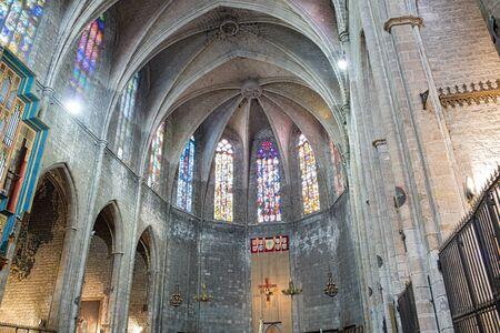 pi: Apse of Basilica of Santa Maria del Pi or Santa Maria del Pino.Interior view towards the nave.This church is one of the most representative Catalan Gothic style architecture located in the Ciutat Vella district. Barcelona, Catalonia, Spain.