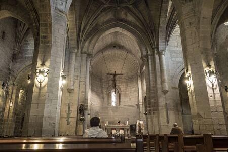 rioja: Logrono, Spain - April 9, 2016. Parishioners in nave of San Bartolome church in Logrono, La Rioja. Spain. Editorial