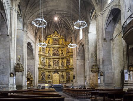 real renaissance: Parishioners in ship of Santiago el Real church in Logrono. This church is dedicated to St. James, the patron saint of Spain. The Rioja. Editorial