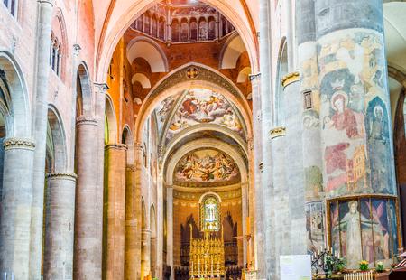 nave: Nave of Cathedral of Santa Maria Assunta and Santa Giustina in Piacenza. Emilia-Romagna. Italy.