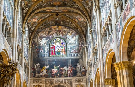 cattedrale: Inside of the Cathedral of Santa Maria Assunta of Parma. Emilia-Romagna. Italy.