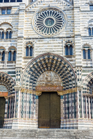 cattedrale: Facade of San Lorenzo cathedral of Genova. Liguria, Italy.