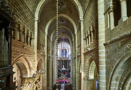 nave: Evora, Portugal - November 29, 2016. Nave of Cathedral of Evora, Basilica Se Catedral de Nossa Senhora da Assuncao. Evora, Portugal. Editorial