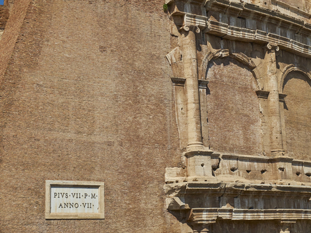 pius: The outer wall detail of the roman Colosseum (also known as Flavian Amphitheatre). Rome, Lazio, Italy. Editorial