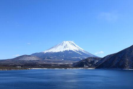 catchphrases: Mount Fuji at Lake Motosu in winter Stock Photo