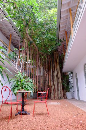 Beautiful inner courtyard in a boutique hotel in galle Stock Photo