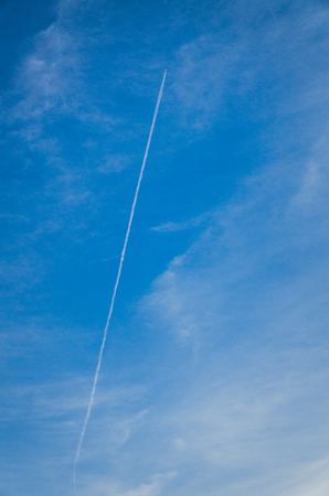 vapour: Airplane vapour trail