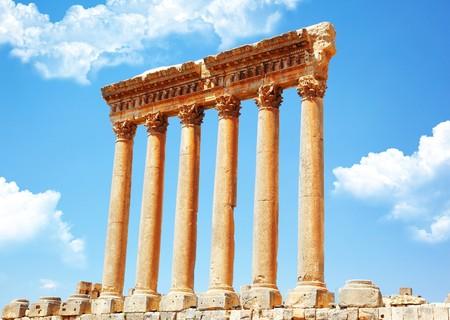 columnas romanas: Columnas romanas de J�piter templo antiguas, Baalbek, L�bano