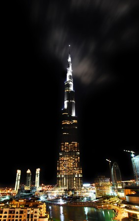 tallest: Tallest tower ever made. Dubai downtown. Burj Dubai (Burj Khalifa)