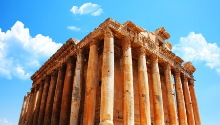 heliopolis: Jupiters temple ancient Roman columns over blue sky, Baalbek, Lebanon Stock Photo