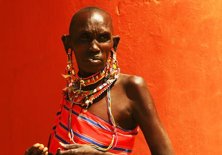 african woman face: Portrait of an African lady that dressed traditionally