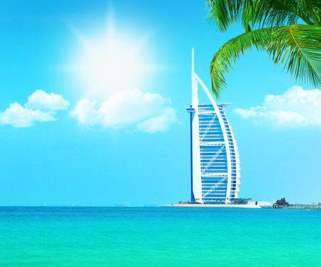 the emirates: Resort de playa para�so de Dubai con agua de mar limpia, imagen conceptual de vacaciones & vacaciones