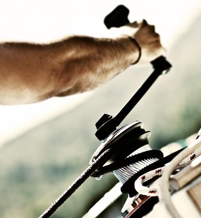 crank: Marinero tirando de la cuerda, actividades al aire libre, regata deporte, hombre de acci�n