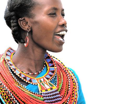 tribu: Retrato de una mujer africana que vest�a tradicionalmente