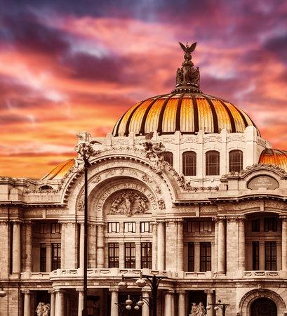 メキシコシティで Palacio de Bellas Artes、パレス オブ ファイン アーツ、最も重要な文化センター