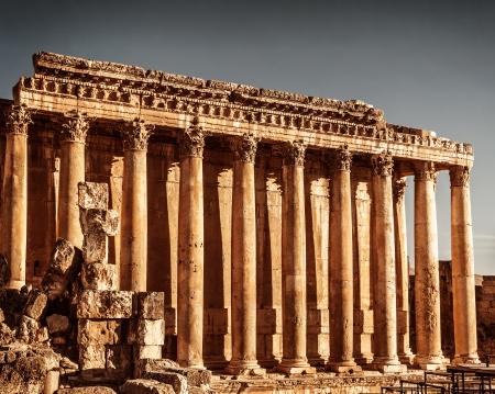 columnas romanas: Antiguo templo columnas romanas de J�piter