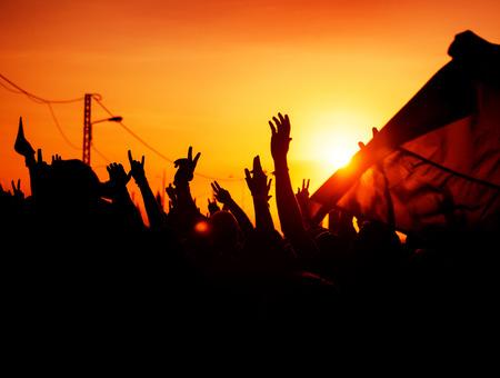 Sagome di mani in alto nel cielo Archivio Fotografico - 26347107