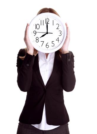 punctual: Mujer de negocios llevaba traje formal y con gran reloj en la cara, aislado en fondo blanco, el concepto de trabajador puntual