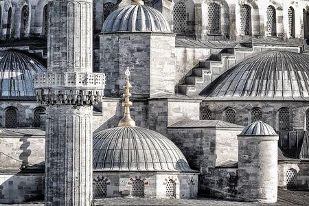 photo Gros plan d'un beau fond Mosquée Bleue, les détails d'un exter d'un ancien chef-d'?uvre architectural, noir et blanc photo, Istanbul, Turquie