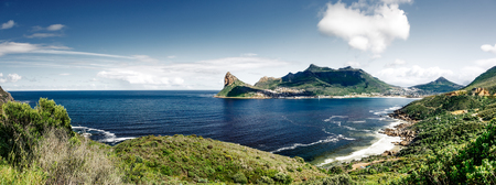 Prachtig landschap, geweldig zeegezicht met prachtige bergen rondom, schoonheid van de wilde natuur, reizen naar Zuid-Afrika Stockfoto