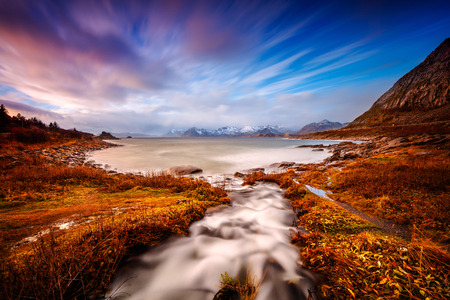Beautiful landscape of Lofoten, amazing untouched lands and open sea, gorgeous wild nature scene, lying within the Arctic Circle, Nordland, Norway  版權商用圖片