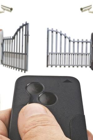 contrl remoto abriendo la puerta