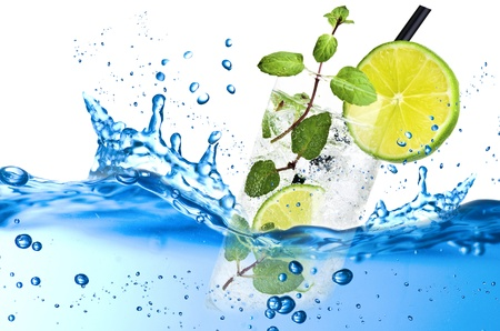Fresh splash mojito on the white background Stock Photo - 21263801