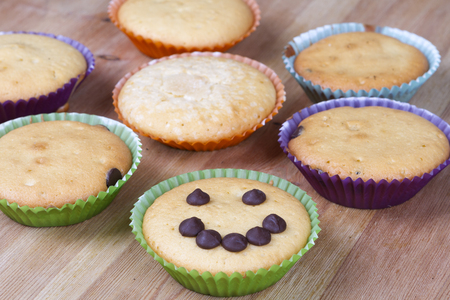 cancellous: Diferents muffins on a table