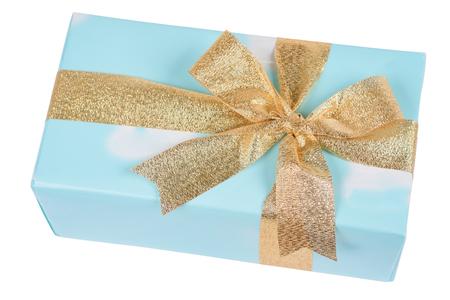 황금 리본 화이트에 의해 묶여 현재 파란색 상자에 상단보기