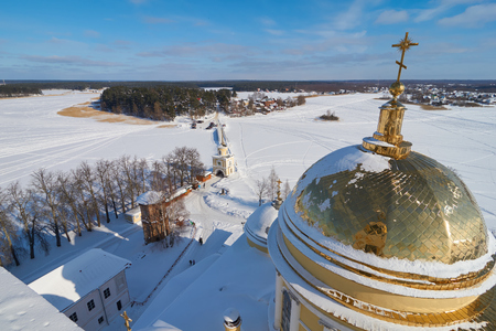 Aerial view from the bell tower of the Epiphany Cathedral in russian orthodox monastery of the Nilo-Stolobenskaya Pustyn, Tver oblast, Russia Stok Fotoğraf - 115725177