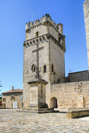 rance: Church of Saint-Laurent des Arbres, fortified by high walls equipped with battlements and a tower, the Dungeon, whose construction is attributed to Bishop Jacques Deuze, the future Pope John XXII in Avignon.
