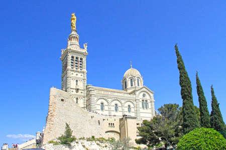 Basilica of Notre-Dame de la Garde (Our Lady of the Guard) in Marseilles, France 版權商用圖片
