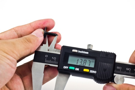 calipers measuring bolt photo