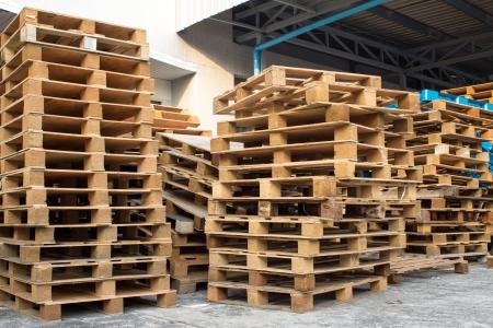 detail op voorraad houten pallet onder zonlicht Stockfoto