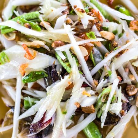 green papaya salad: papaya salad with horse crab Stock Photo