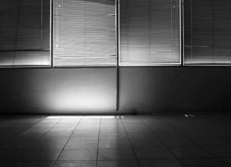 dark room: Contrast light from a window