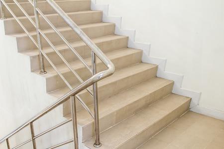 Treppenhaus in einem modernen Gebäude