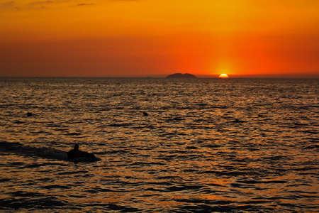 jet ski: coucher de soleil vue de Jet Ski