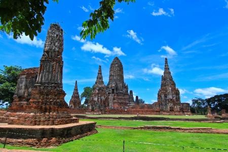 Старый храм Ват Chaiwatthanaram из Ayuthaya провинции Таиланда