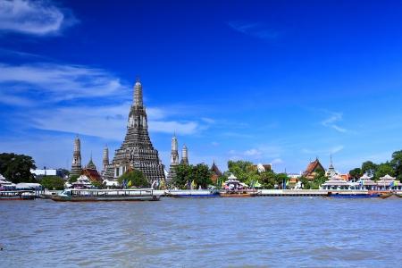 east river: Wat Arun Temple in bangkok thailand  Stock Photo