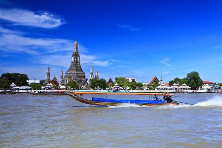 phraya: Wat Arun Temple in bangkok thailand  Stock Photo