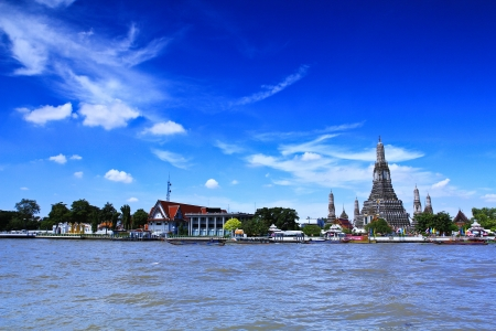 wat arun: Wat Arun Temple in bangkok thailand  Stock Photo