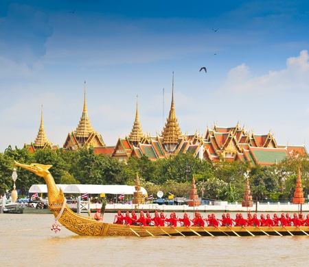 BANGKOK,THAILAND-NO VEMBER 9 Decorated barge parades past the Grand Palace at the Chao Phraya River during Fry the Kathina ceremony cloth of Royal Barge Procession on Nov  9, 2012 in Bangkok,Thailand  Stock Photo - 16943995