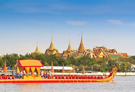 BANGKOK,THAILAND-NO VEMBER 9 Decorated barge parades past the Grand Palace at the Chao Phraya River during Fry the Kathina ceremony cloth of Royal Barge Procession on Nov  9, 2012 in Bangkok,Thailand  Stock Photo - 16943981