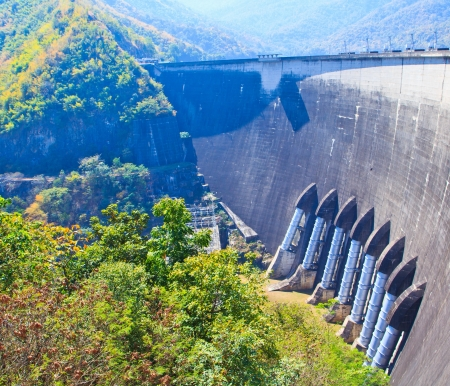thai dam: The power station at the Dam in Thailand  The dam a capacity of 13,462,000,000 cubic