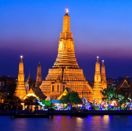 Wat Arun Temple in bangkok thailand photo
