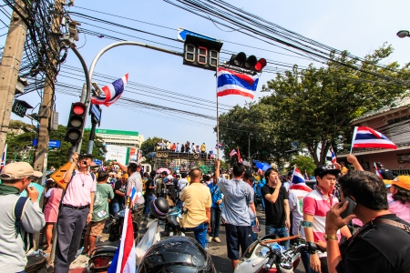 BANGKOK, THAILAND-DECEMBER 9   The big group of protestors to at Democracy monument on Ratchadumnoen road in Bangkok on December 9, 2013 in Bangkok, Thailand Stock Photo - 24303016
