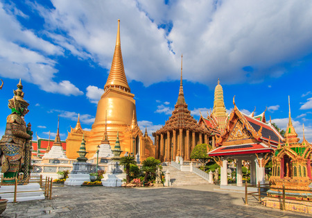 Wat Phra Kaeo, Temple of the Emerald Buddha Bangkok, Asia Thailand Banco de Imagens - 29597413