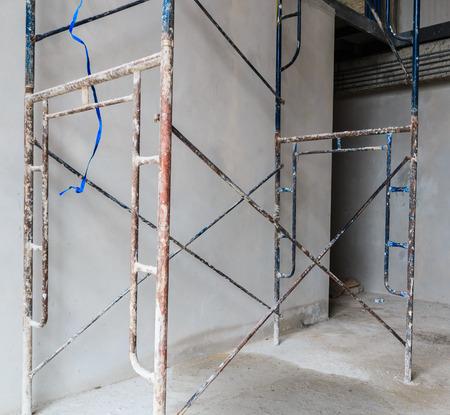 scaffold: construction scaffold - Scaffolding